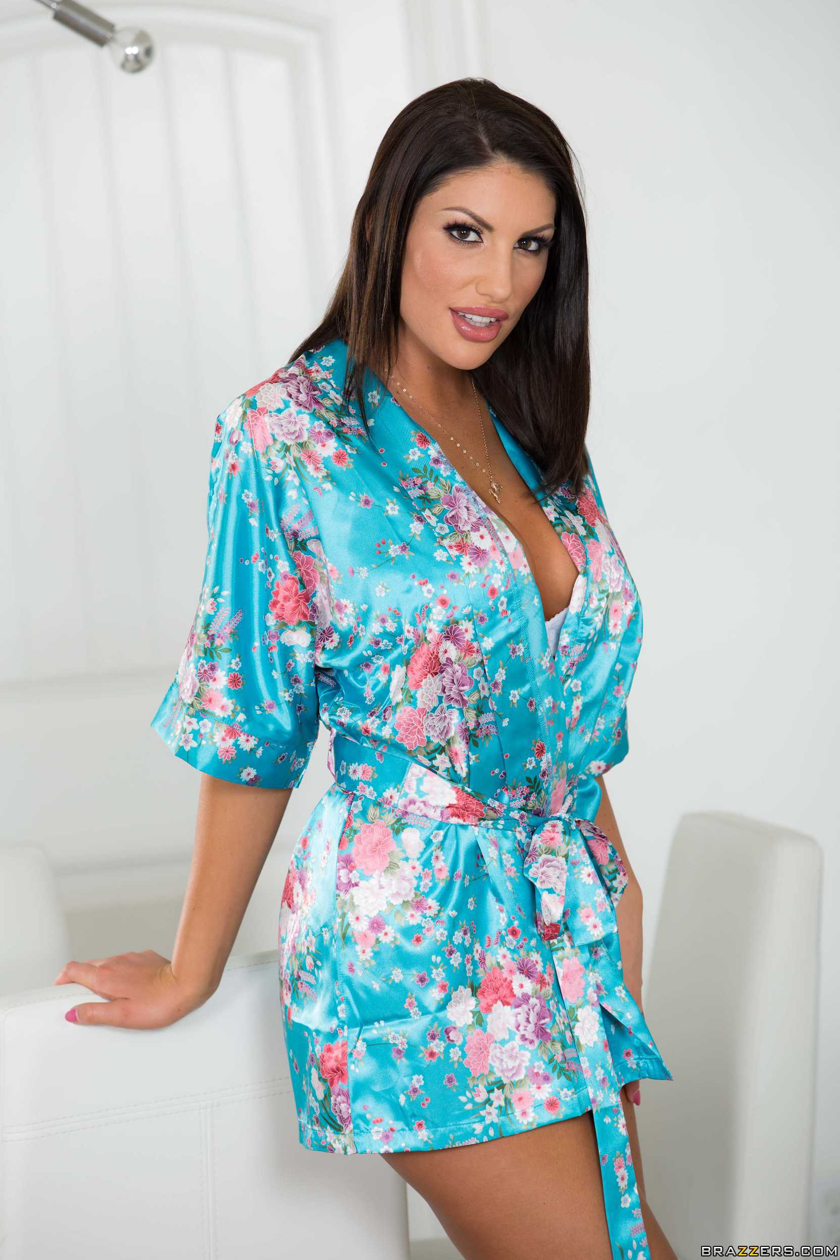 August ames didnt ring the doorbell
